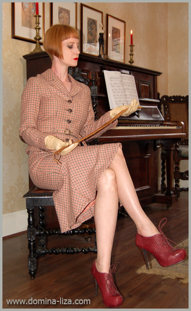 A judicial style caning from miss sultrybelle 1