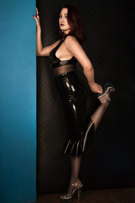 Stiletto heels to be worshipped
